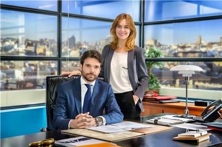 TVE rejuvenece sus tardes con «Derecho a soñar», un serie de abogados y superación